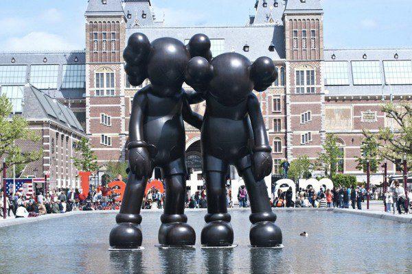 kaws-companion-sculptures-artzuid-05