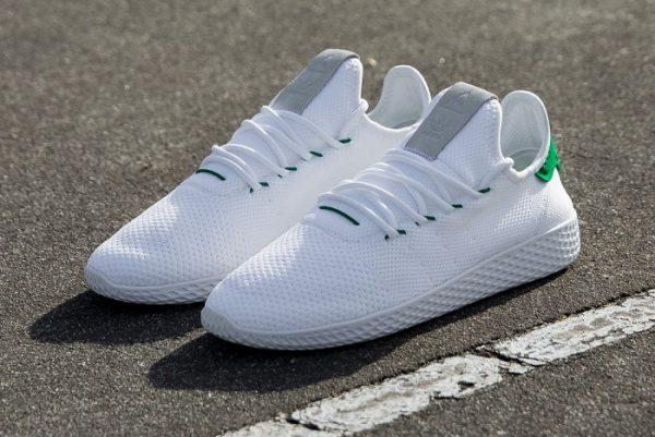 3c5e6ebfc29f Pharrel Williams conferma la sua partnership con Adidas anche per l estate  2017. Sono fuori da pochissimo infatti le Tennis Hu
