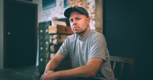 "DJ SHADOW: FUORI UN NUOVO VIDEO PER ""OUR PATHETIC AGE"""