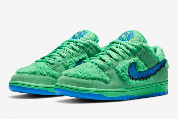 THE GRATEFUL DEAD X NIKE SB DUNK LOWPREVIEW